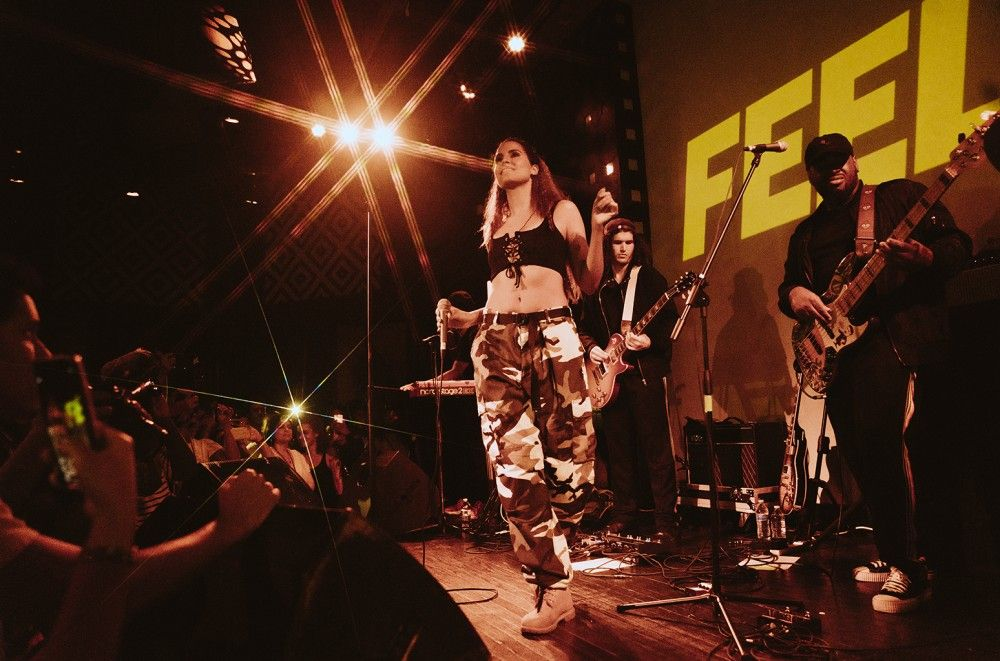 Snoh Aalegra Powers Through Technical Difficulties for Soulful NYC Performance