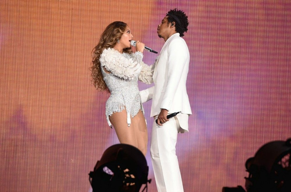Beyoncé and JAY-Z Conquer Rose Bowl for L.A. On The Run II Tour Stop