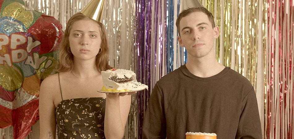 "Ben Kessler and Lizzy McAlpine don't want to be ""False Art"" [Video]"